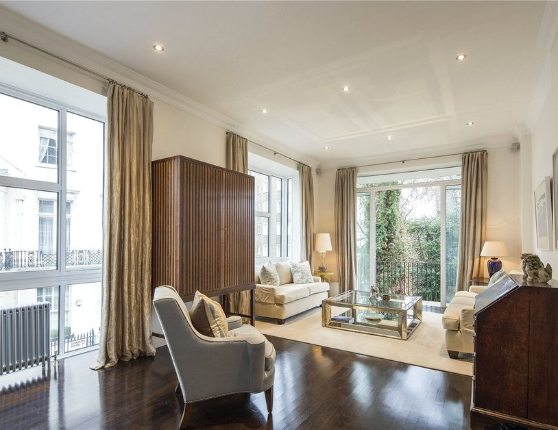 House for sale in Gloucester Square view14