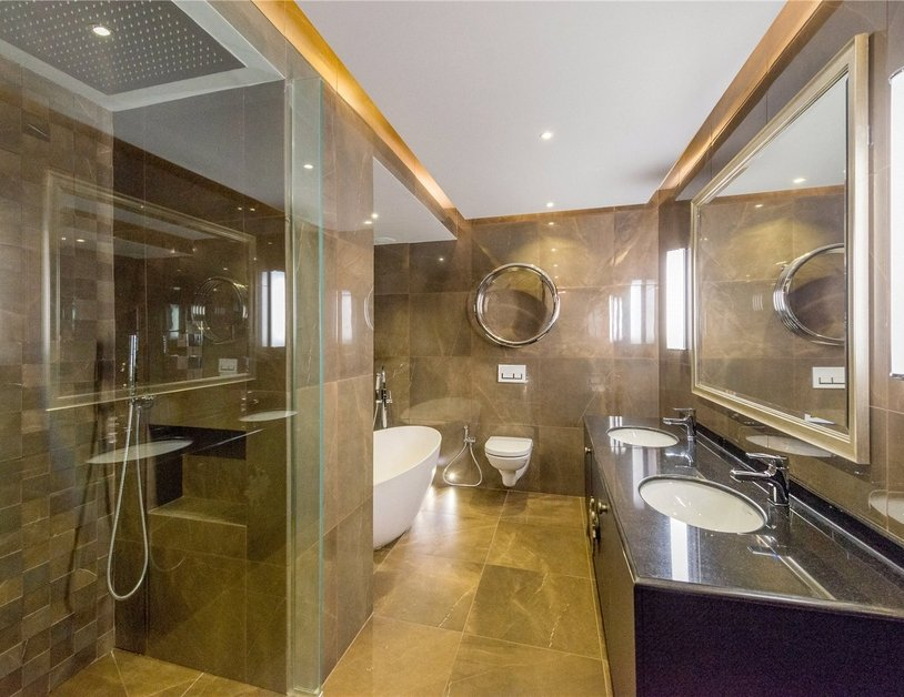 Apartment for sale in Gloucester Square view11