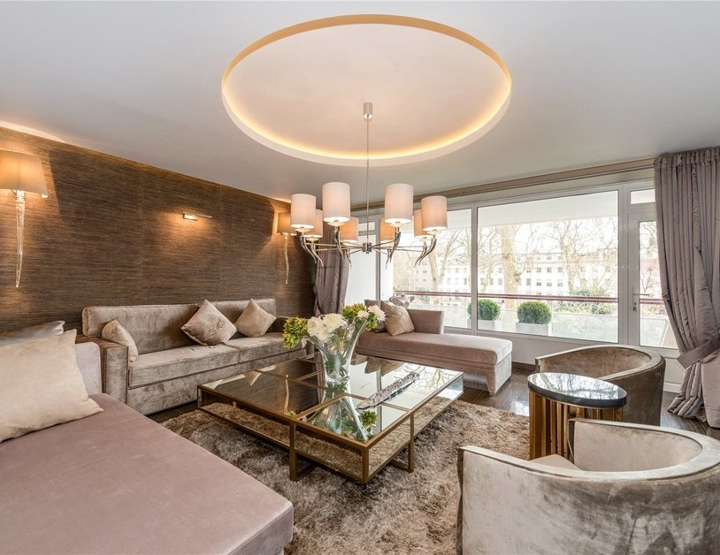 Apartment for sale in Gloucester Square view2