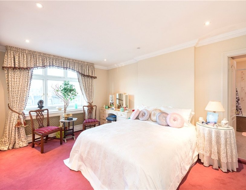 Apartment for sale in Gloucester Square view7