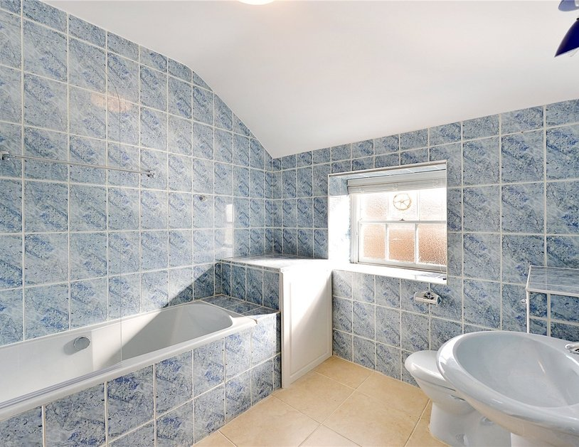 Duplex sold in Gloucester Square view9