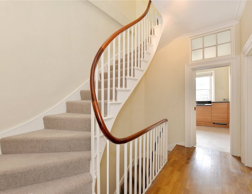 Duplex sold in Gloucester Square view4