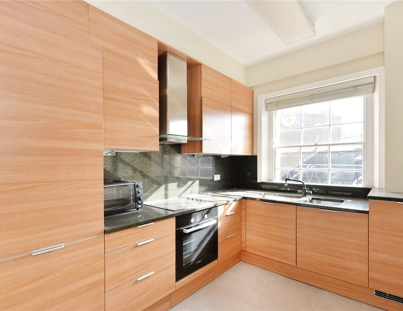 Duplex sold in Gloucester Square view8