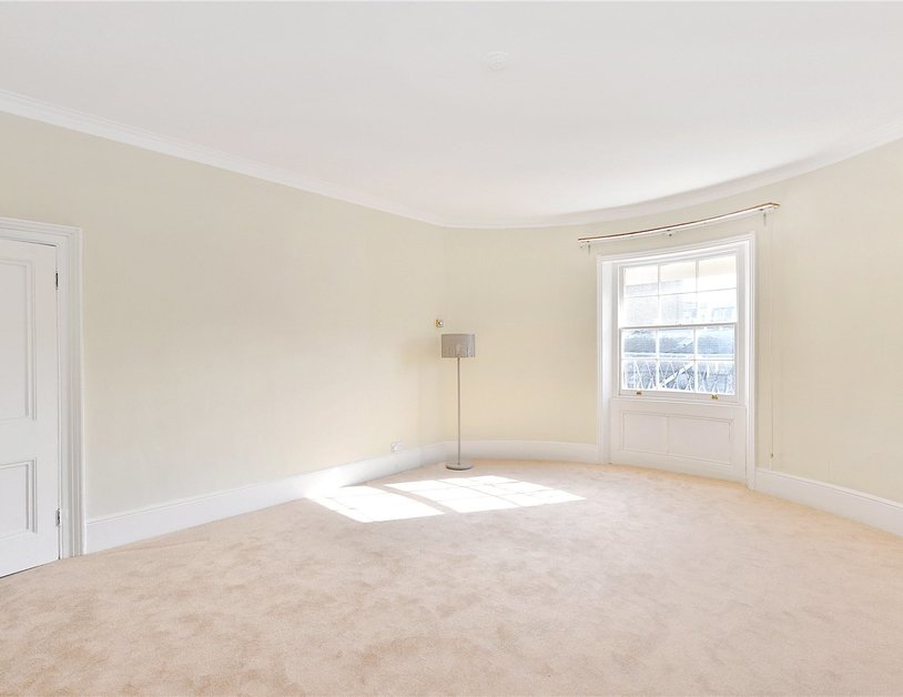 Duplex sold in Gloucester Square view5