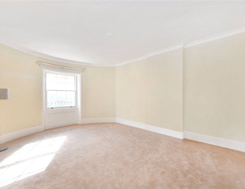 Duplex sold in Gloucester Square view7