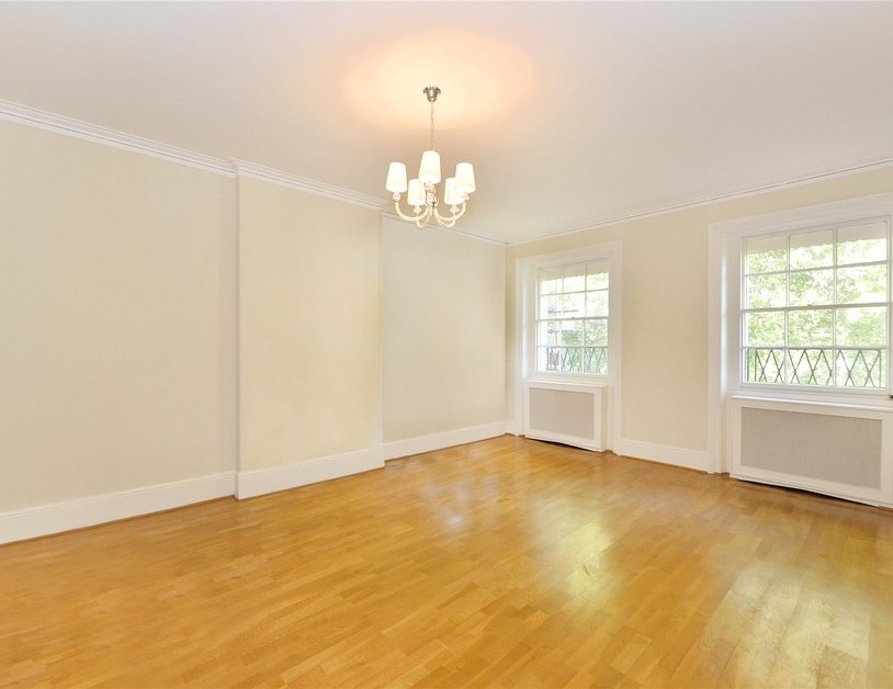 Duplex sold in Gloucester Square view3