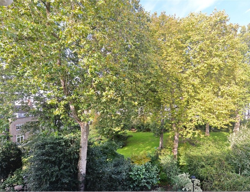 Duplex sold in Gloucester Square view2