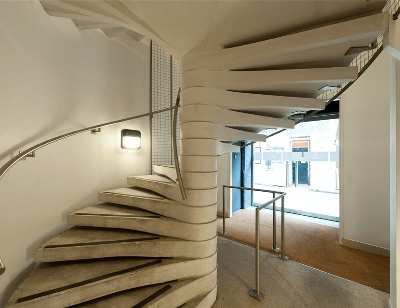 Duplex for sale in Hanway Place view6