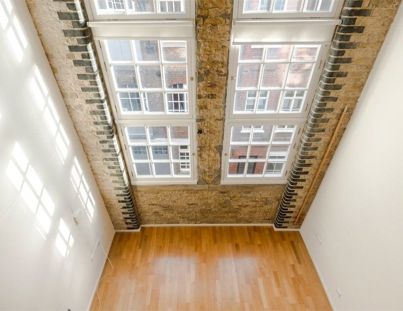Duplex for sale in Hanway Place view2