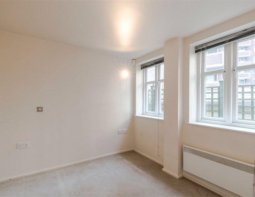 Duplex for sale in Hanway Place view16