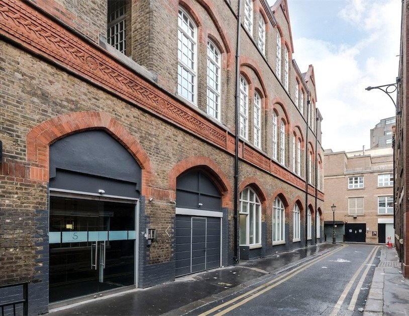 Duplex for sale in Hanway Place view5
