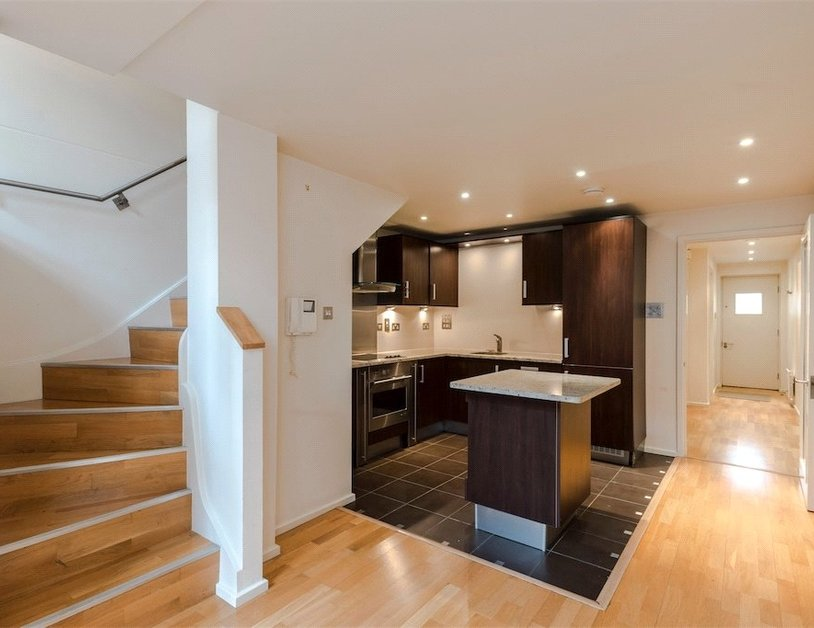 Duplex for sale in Hanway Place view9