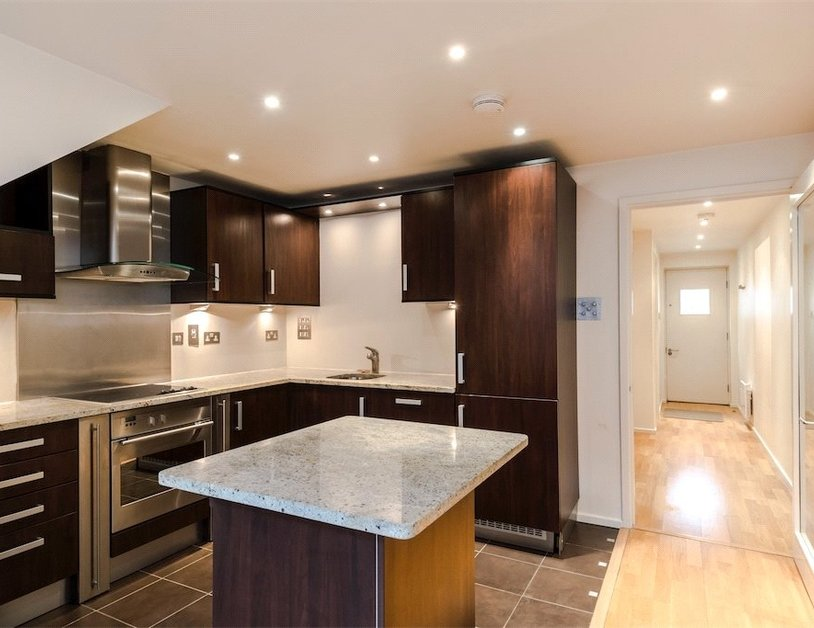 Duplex for sale in Hanway Place view10