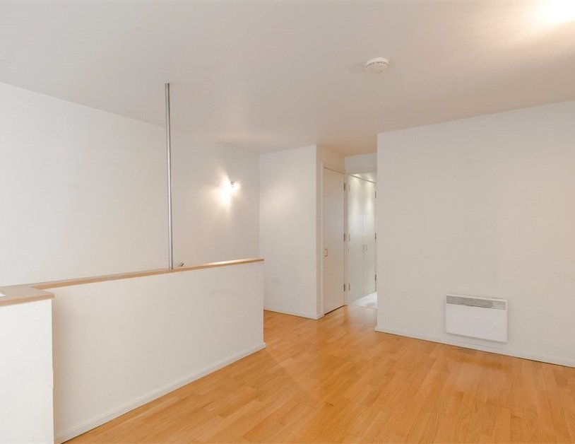 Duplex for sale in Hanway Place view13