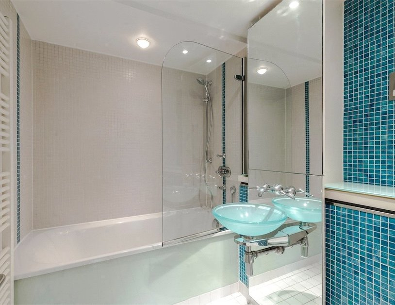 Duplex for sale in Hanway Place view3