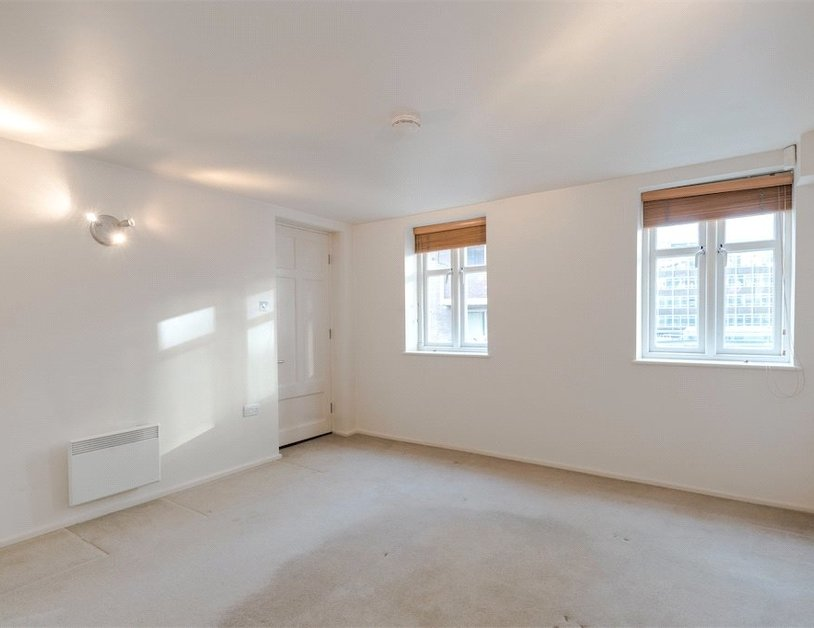 Duplex for sale in Hanway Place view17