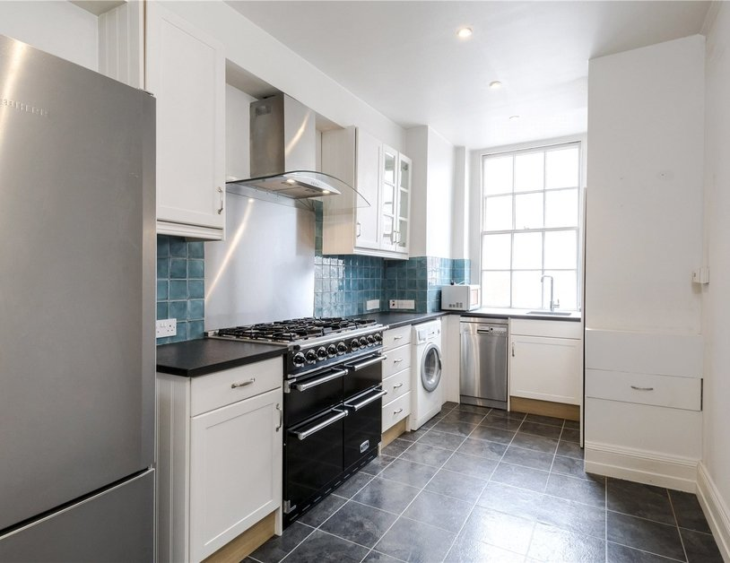 Apartment for sale in Harley Street view5-thumb