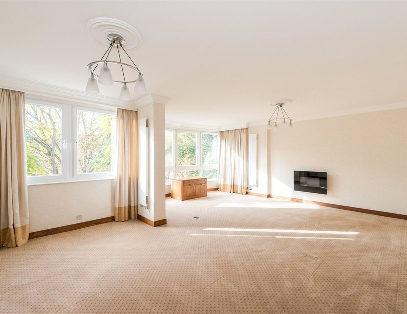 Apartment sold in Hyde Park Crescent view14