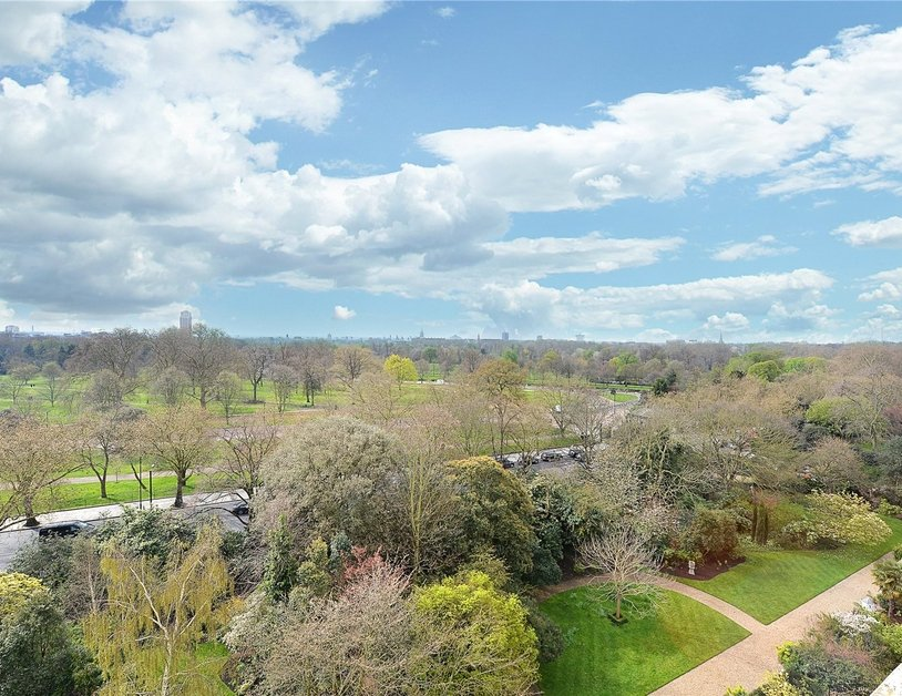 Apartment sold in Hyde Park Gardens view9