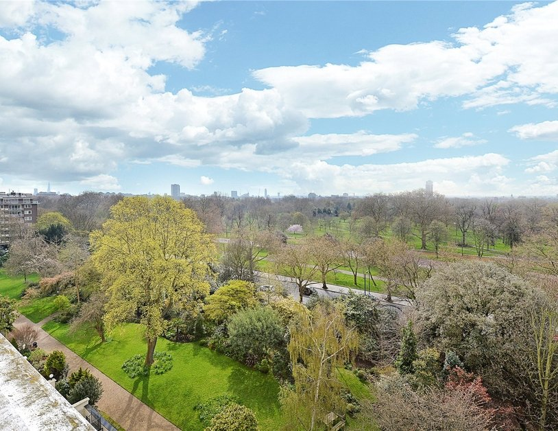 Apartment sold in Hyde Park Gardens view10