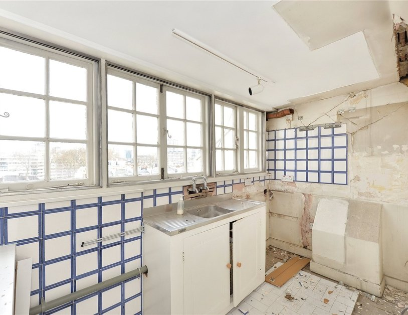 Apartment sold in Hyde Park Gardens view6