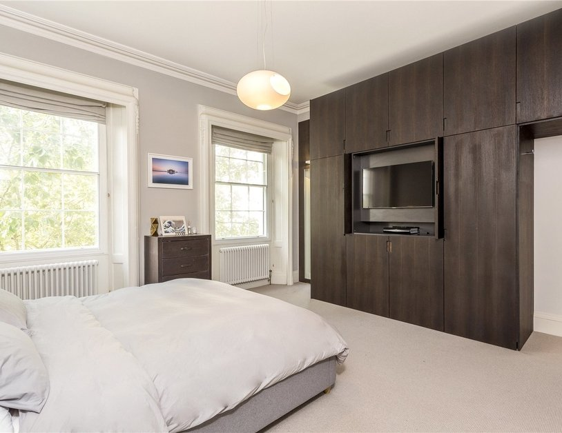 Apartment sold in Hyde Park Gardens view3