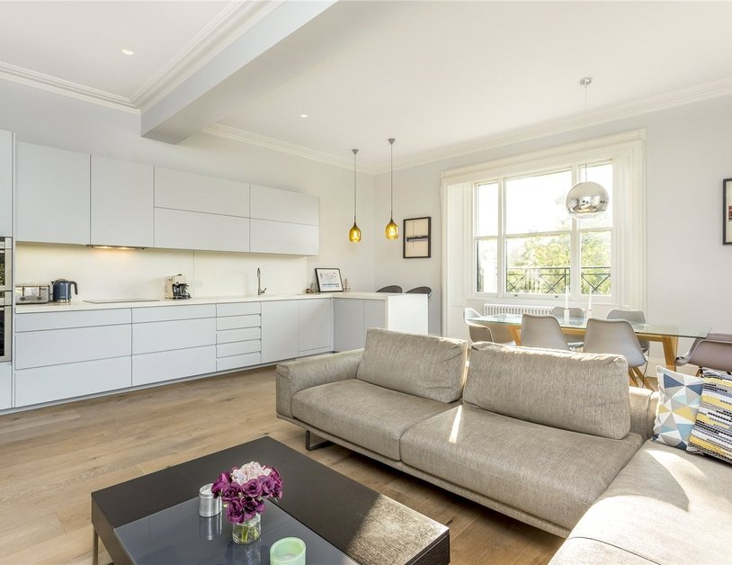 Apartment sold in Hyde Park Gardens view11