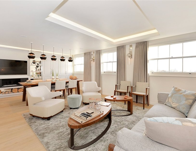 Penthouse sold in Hyde Park Gardens view1