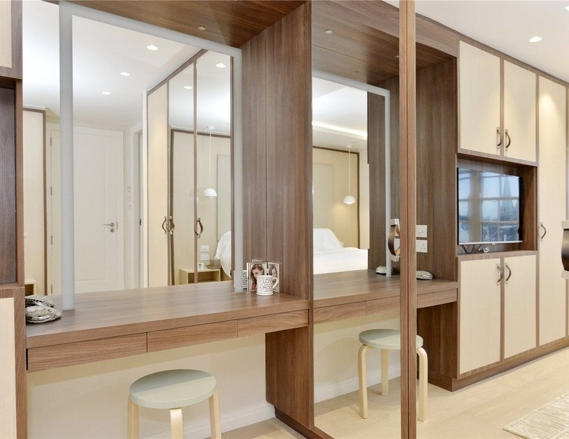 Penthouse sold in Hyde Park Gardens view16