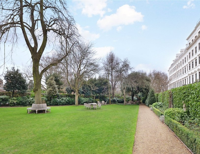 Penthouse sold in Hyde Park Gardens view11
