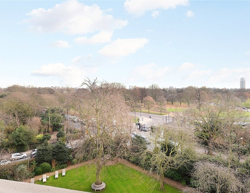 Penthouse sold in Hyde Park Gardens view5
