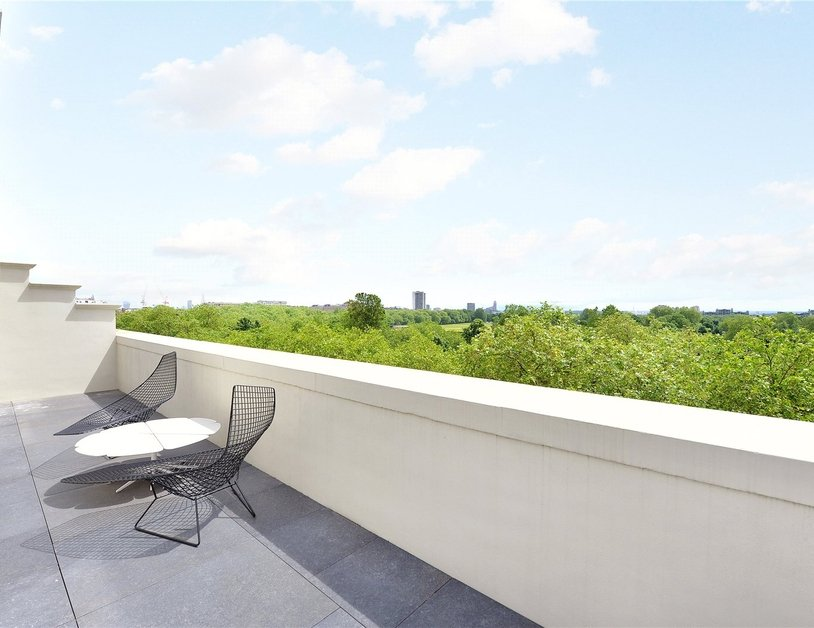 Penthouse for sale in Hyde Park Place view2