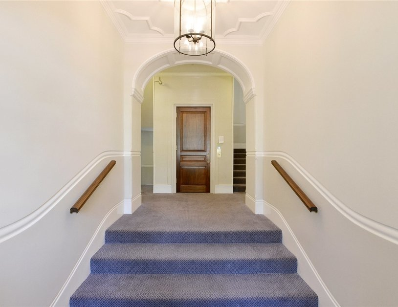 Apartment for sale in Maida Avenue view21