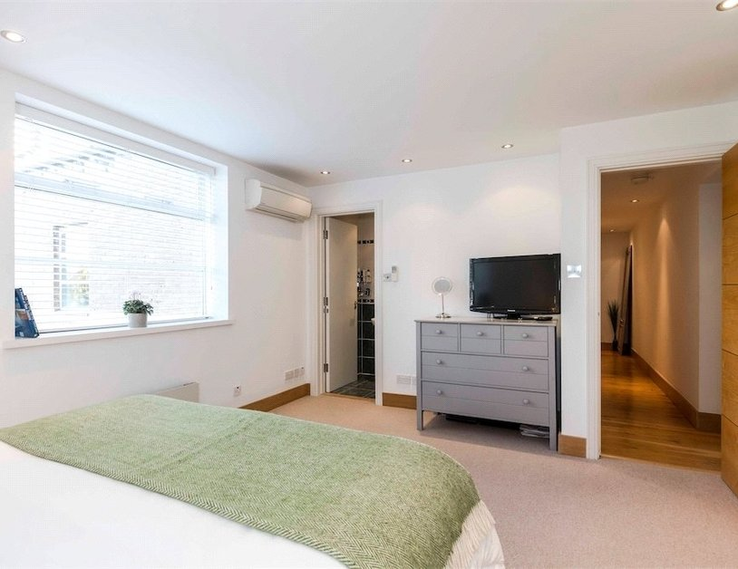 Apartment for sale in Marylebone High Street view3