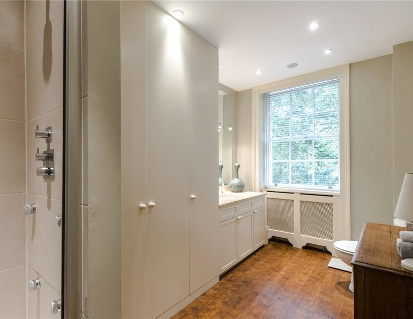 Duplex sold subject to contract in Montagu  Square view8