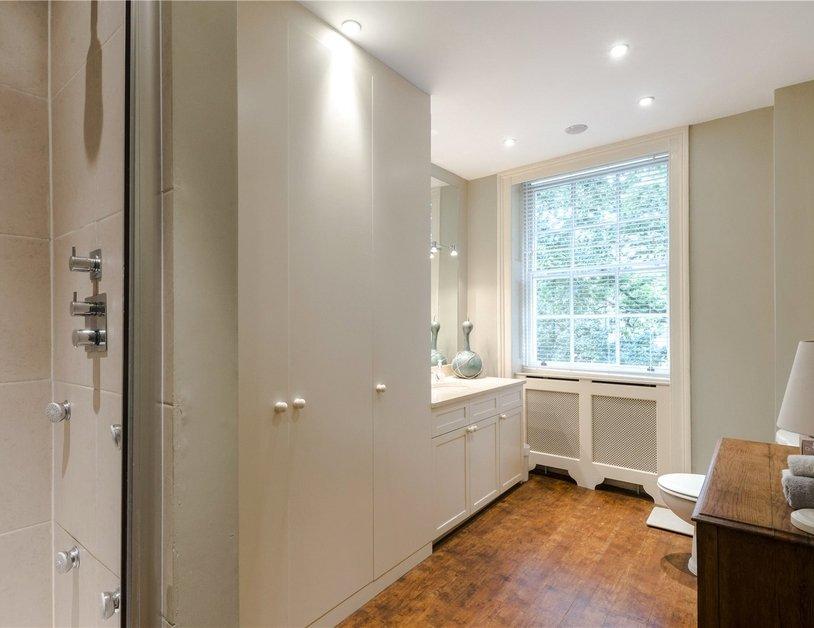 Duplex sold in Montagu  Square view8