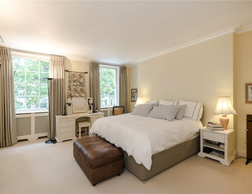 Duplex sold subject to contract in Montagu  Square view7