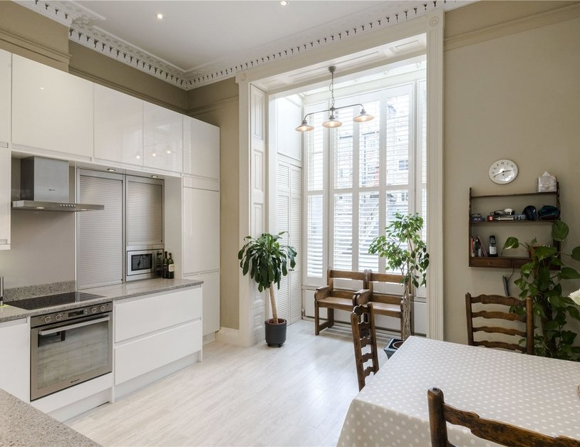 Duplex sold subject to contract in Montagu  Square view2
