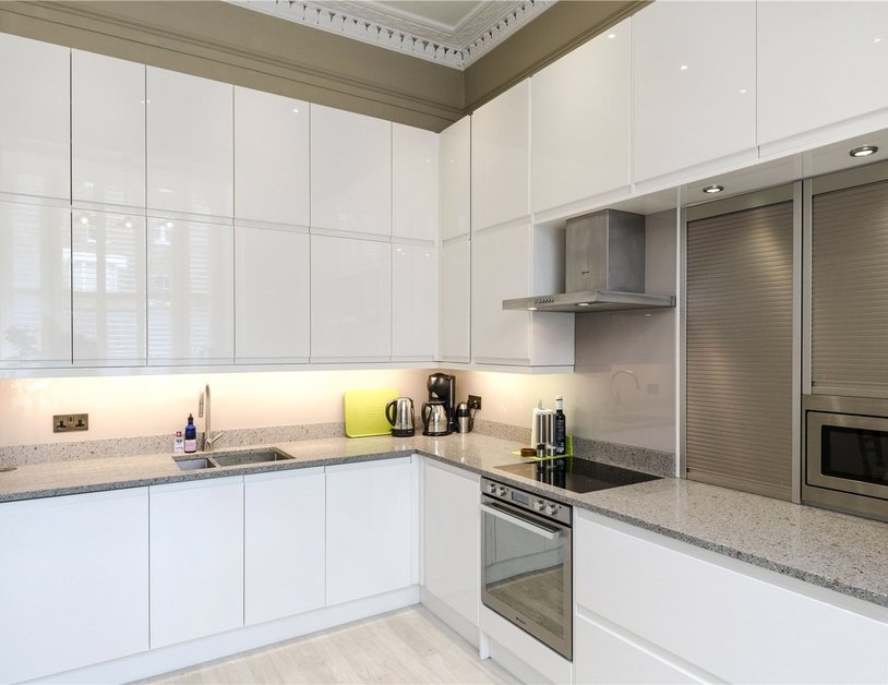 Duplex sold subject to contract in Montagu  Square view6