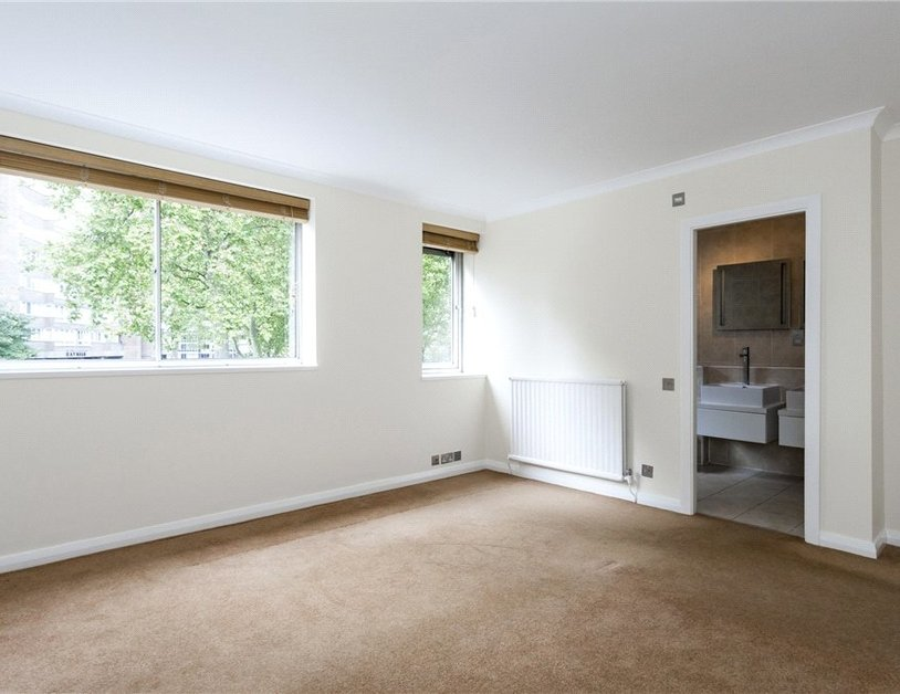 House sold in Norfolk Crescent view7