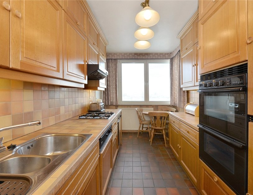 Apartment sold in Norfolk Crescent view3