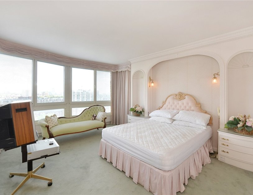 Apartment sold in Norfolk Crescent view5