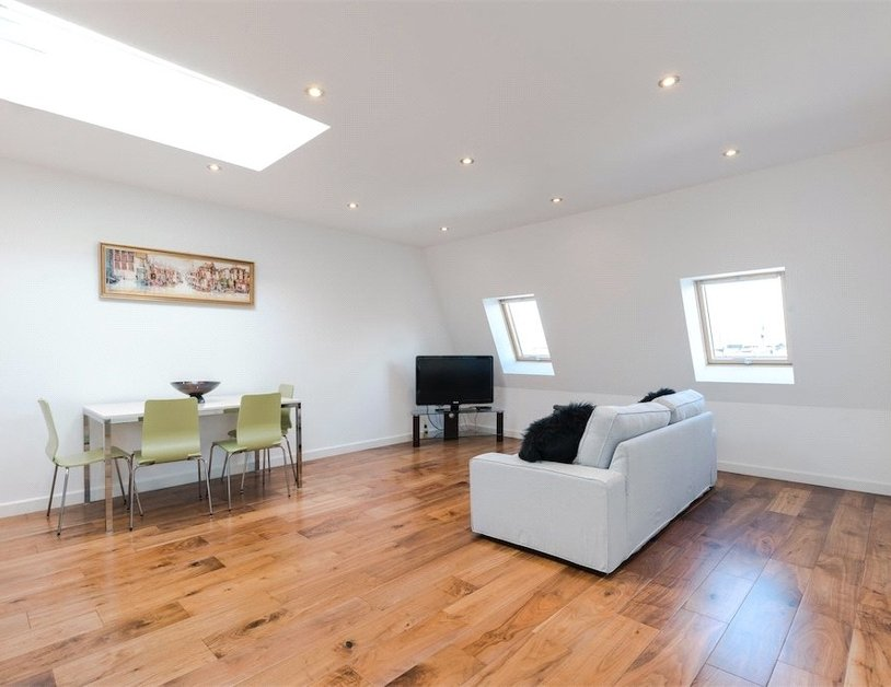 Duplex for sale in Nottingham Place view9