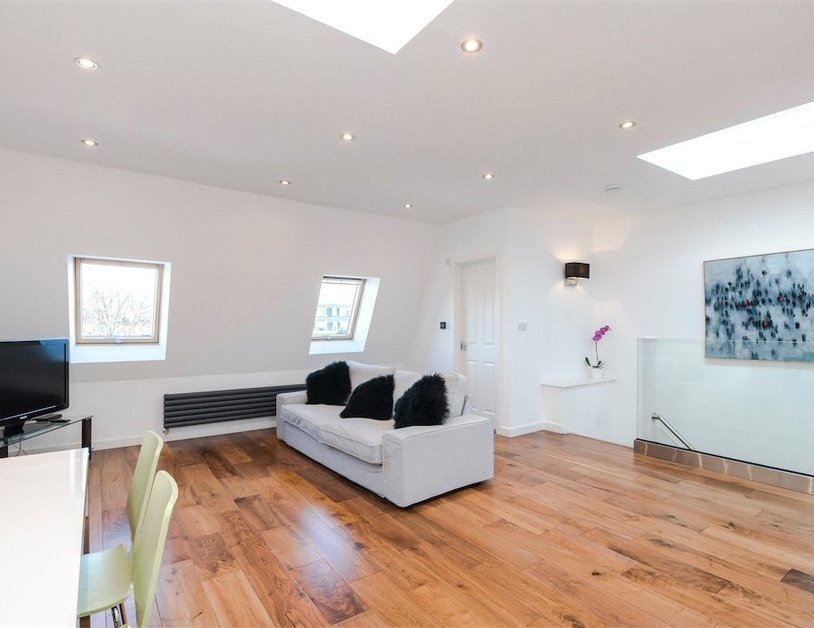 Duplex for sale in Nottingham Place view8