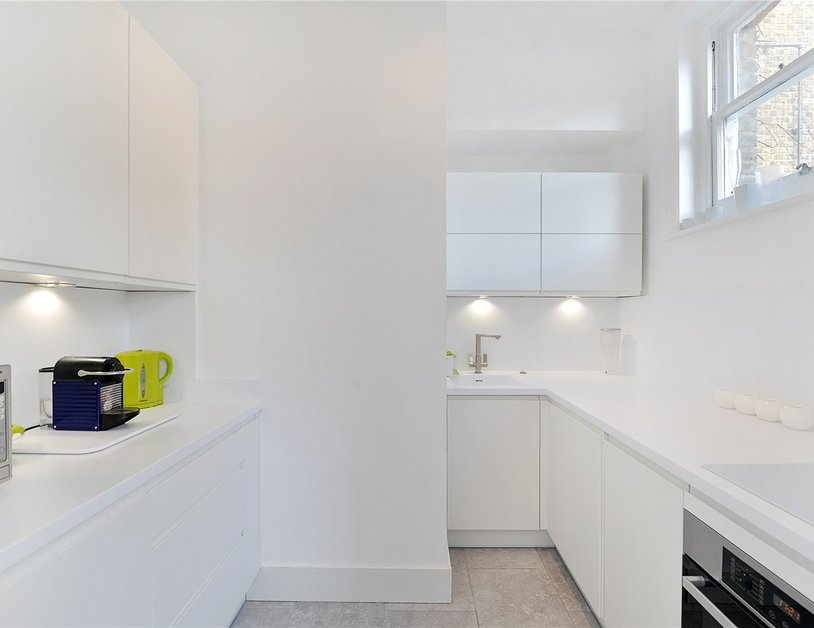 Apartment sold in Nottingham Street view2