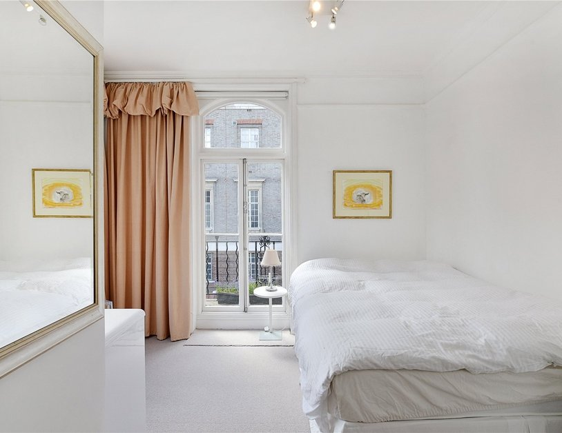 Apartment sold in Nottingham Street view4