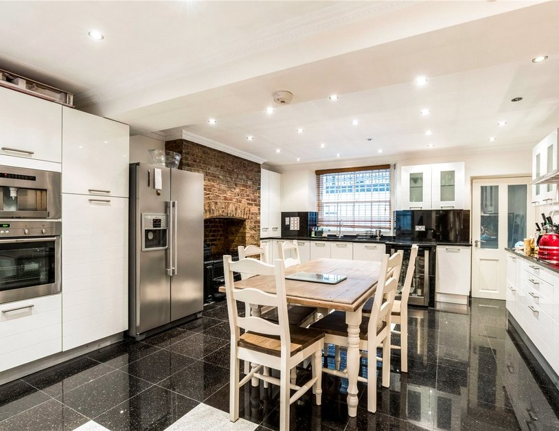 House for sale in Portsea Place view3