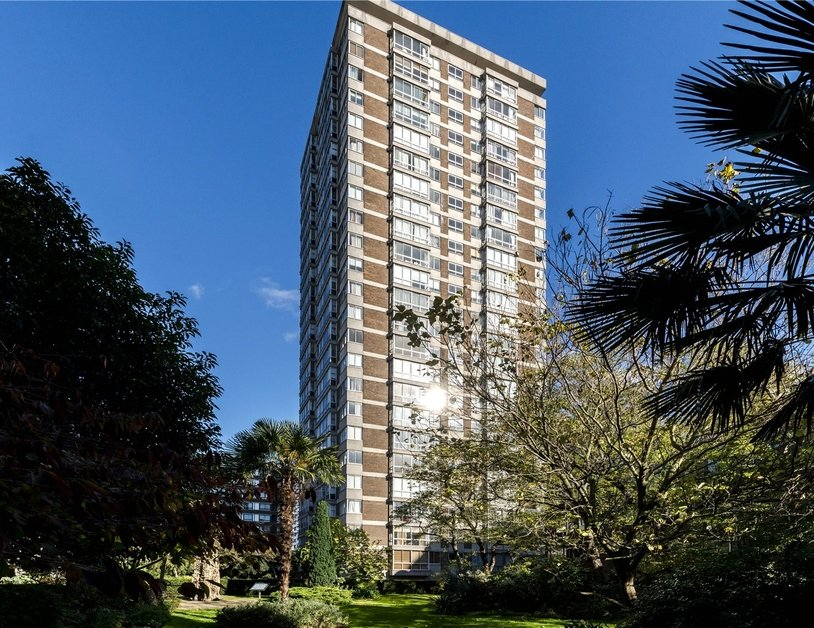 Apartment for sale in Quadrangle Tower view11