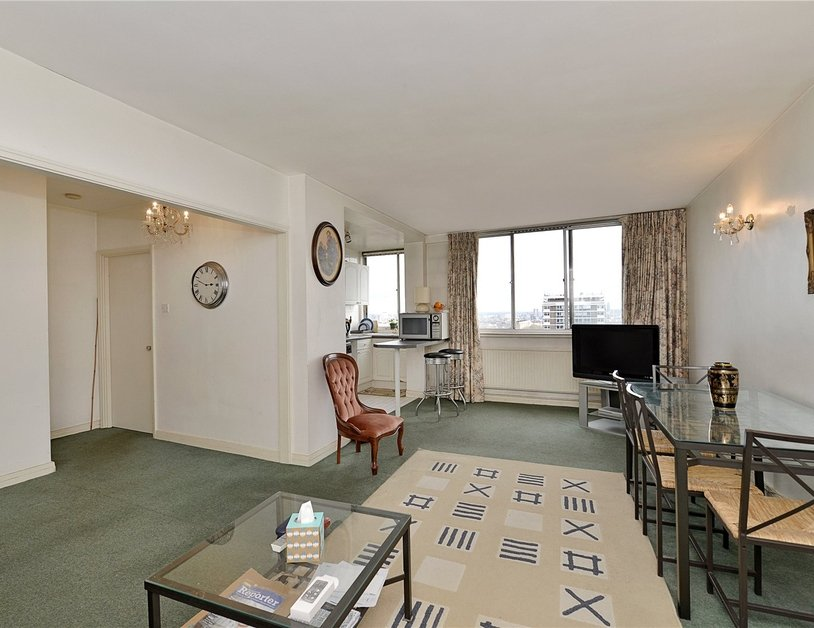 Apartment sold subject to contract in Quadrangle Tower view3