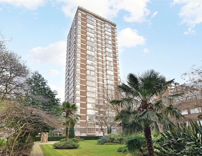 Apartment sold subject to contract in Quadrangle Tower view10